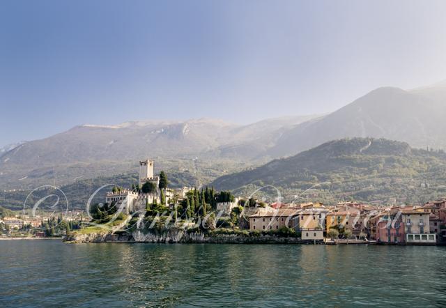 Malcesine mit dem Castello Scaligero, Gardasee, Italien