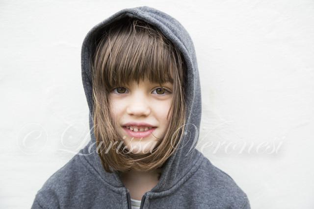 Porträt einer Mädchens mit Hoodie